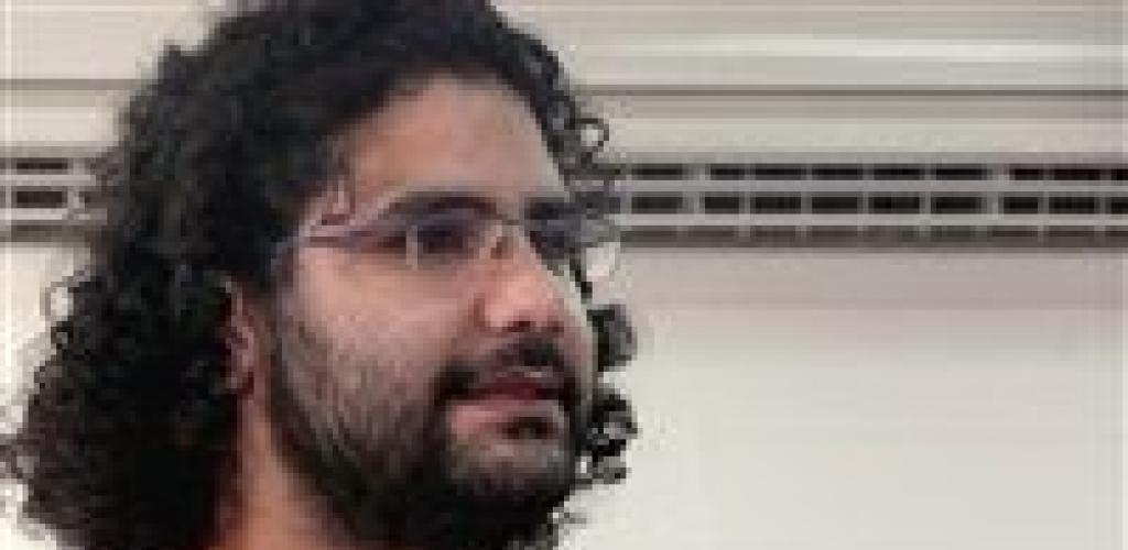 بالدلائل.. نكشف أكاذيب والدة علاء عبد الفتاح المحبوس في قضية التحريض على التظاهر