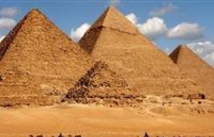 السر في المقابر.. هكذا ردت مصر على مزاعم بناء فضائيين للأهرامات
