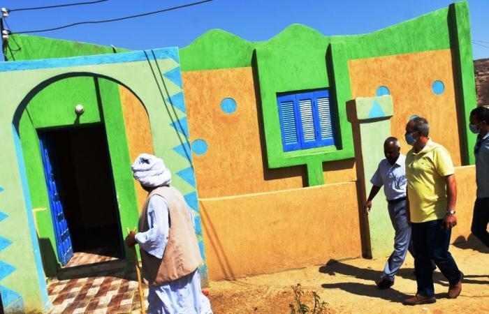 """""""حياة كريمة"""" بأسوان من نجاح إلى نجاح.. المبادرة الرئاسية استهدفت تنفيذ مشروعات تنموية بـ11 قرية فى المرحلة الأولى باستثمارات 82.7 مليون جنيه.. والمرحلة الثانية تشمل تنفيذ 53 مشروعا باعتمادات 198 مليون جنيه"""