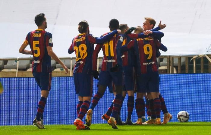"""العالم هذا الصباح..برشلونة يتأهل لنهائى السوبر الإسباني على حساب ريال سوسيداد..تعرف على  أكثر 10 أماكن برودة فى العالم.. الحرس الأمريكى """"يفترش"""" أرضية الكونجرس بعد أسبوع من الاقتحام"""