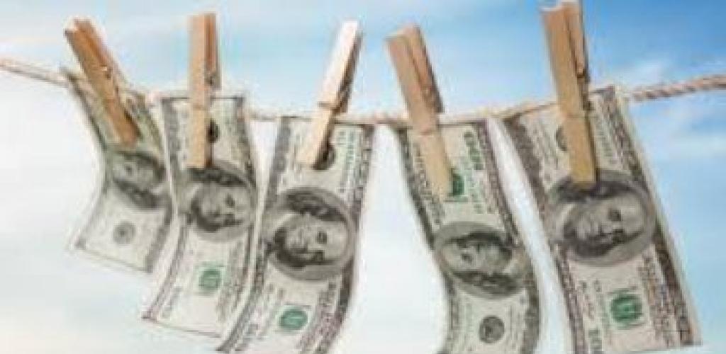 """""""الداخلية"""" تكشف أضخم قضية غسل أموال بقيمة 1.235 مليار جنيه بالبريد.. المتهمون متورطون بالإتجار بالعملة والمخدرات وجمع مدخرات العاملين بالخارج.. والعقوبة تصل للسجن 7 سنوات ومصادرة الأموال"""